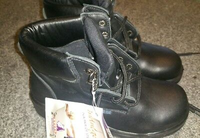 Brand new....Women steel Blue work boots ...us size 7 ..eur 37