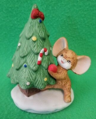 Homco Porcelain Mouse Decorating a Christmas Tree Figurine #8905 - VGC