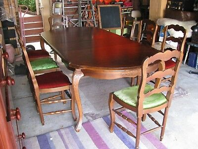 Antique Style Extendable Dining Table Seats 8 With 8 Unmatched Dining Chairs