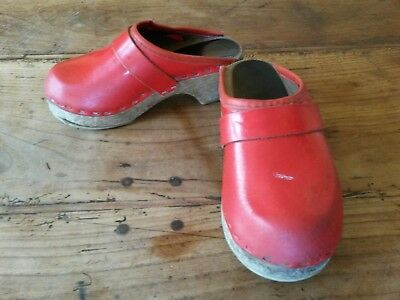 Chaussures sabots rouges fillette P.26 Vintage 70 baby girl red shoes clogs