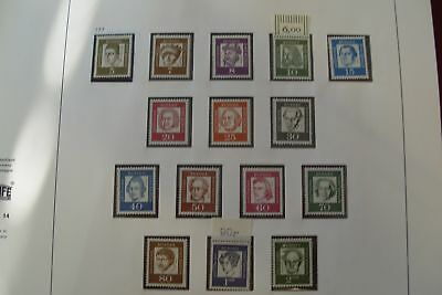 GERMANY - W. BERLIN 1960-1990 Mainly unmounted mint collection with - 92143