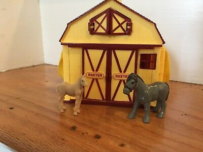Breyer Pocket Barn Stable Yellow Portable Playset with 2 small horses