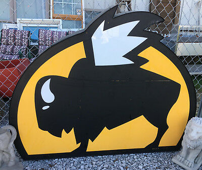 Buffalo Wild Wings Lighted Restaurant Sign outdoor building