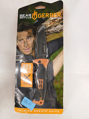 Bear Grylls Survival Knife. Folding knife with sheath in new condition