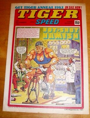 Tiger Comic 1981 With Stunning  Barnsley F.c.  Colour Team  Centrefold Poster