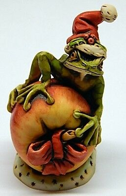 Harmony Kingdom Artist Neil Eyre Designs Christmas Santa frog apple bow LE 50