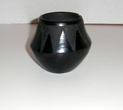 SIGNED  SAN ILDEFONSO PUEBLO INDIAN BLACK-ON-BLACK POTTERY - Pena? As-Is