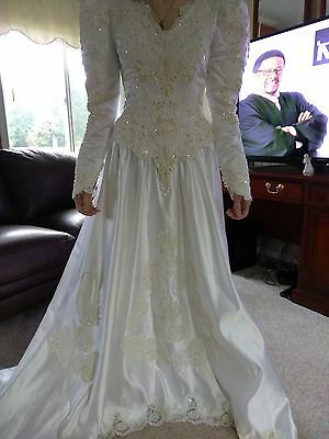 FOREVER YOURS Int'l BRIDAL Gown Size 10 with TRAIN SEQUINS White WEDDING Dress