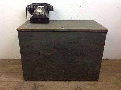 Vintage Steel Metal Storage Chest Trunk Coffee Table Industrial Old