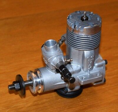 1975 OS 40 FSR RC model airplane engine vintage .40 Japan motor glow max 4B carb
