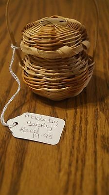 Vintage Miniature  Basket  w/ removable lid by Becky Reed  -VGC