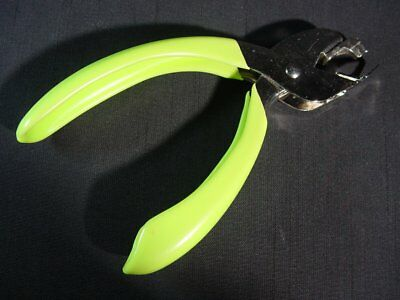 Parrot Jaw Staple Remover NEW Japanese Firm Grip Easy to Use Chartreuse