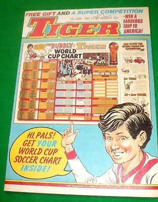 Tiger Comic 5/6/1982 With Stunning  Barry Sheene  Colour Centrefold Poster