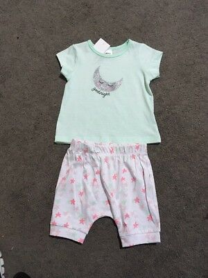 BNWT Baby Girls 2 Piece Pyjamas Short Sleeve Top And Shorts Set Size 00