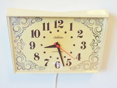 Vintage Electric Wall Kitchen Clock Sunbeam Mid Century 1960s Off White Retro