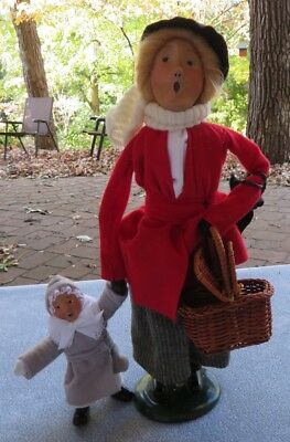Byers Choice Carolers Woman Carrying Basket with Child Figurine Christmas Nanny