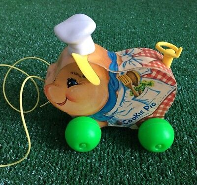 Vintage Fisher Price Cookie the Pig #476 Pull Toy 1965