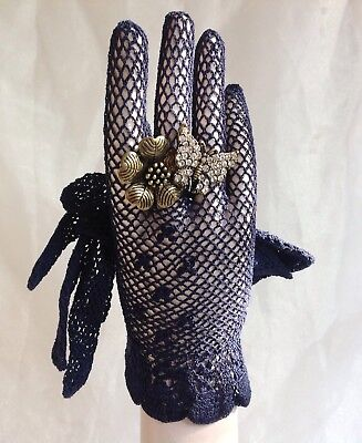Vintage 1950s Blue Crocheted Fish Net Stocking Wrist Length Gloves Size 6.5/7