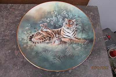 The Siberian Tiger ~ T.C. Chiu~ Signed & Numbered Limited Edition Knowles Plate
