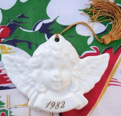 Avon 1982 Remembrance Ceramic Angel Christmas Ornament Made in Japan