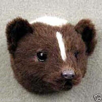 *(1) SKUNK FUR MAGNET!! Collect Magnet PROFITS GOES TO OUR UNWANTED PETS PROGRAM