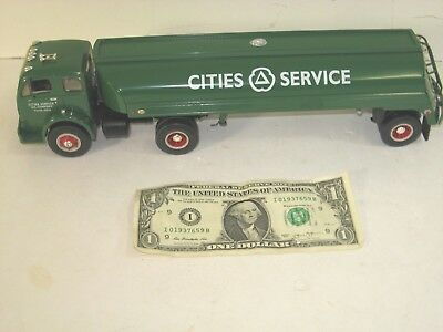 First 1st Gear 1953 White 3000 Cities Service Tractor w/ Tanker 1:341996 19-1985