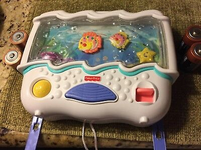 Fisher Price Ocean Sounds Crib Toy with Fish Oyster Starfish Music/Lights EUC