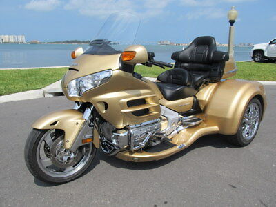 2006 Honda Gold Wing  2006 HONDA GOLDWING GL1800 W/2017 CALIFORNIA SIDECAR CONVERSION LOW MILES