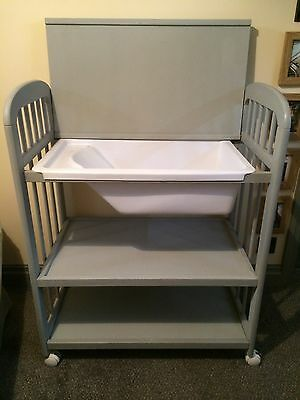 Recently Refurbished Vintage Baby Bath Dresserette with Storage Shelves.