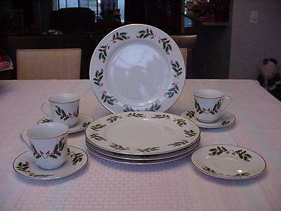 Japan Fine China Christmas Holly Berry Dinnerware Set Of 11 Pieces