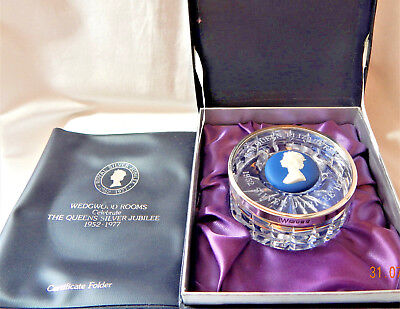 Wedgwood Glass Paperweight Queen Elizabeth II Ltd Edtn HM Silver Rim 1977 Boxed