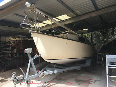 Sailing Boat Robert Legg 24 'with Trailer And Sails
