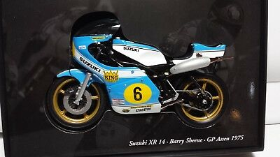 Barry Sheene.  Suzuki XR14.  GP Assen 1975.  Minichamps 1/12