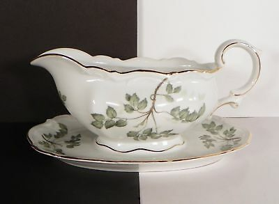 Mitterteich Green Leaves Gravy Boat with Attached Underplate