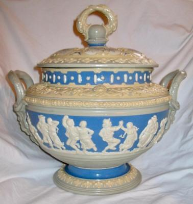Mettlach Soup Tureen Villeroy Boch Blue & White Cameo Relief Classical Figures O
