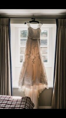 Beautiful Wedding Dress, size 10