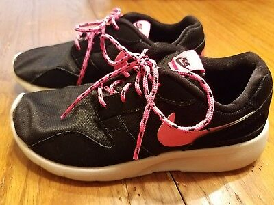 Nike girls size 3 black and pink tennis shoes