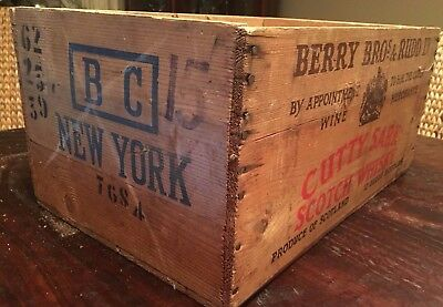 Vintage Cutty Sark Scotch Whiskey Wood Crate BERRY BROS & RUDD Stamped New York