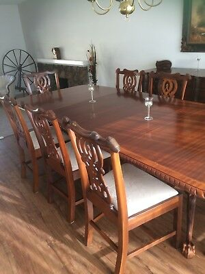 Chippendale Style Dining Room Table and Chairs, Dark Mahogany Finish.