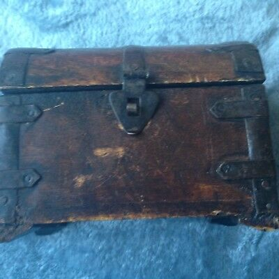 Small Antique Wooden  Art Trinket Box / Sewing Box / Colonial Box vintage