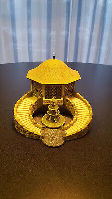 """Dept 56 Seasons Bay """"parkside Pavilion""""  With Fountain, 1999, #53411"""