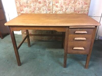 Vintage Oak School Teacher Desk (ref371)