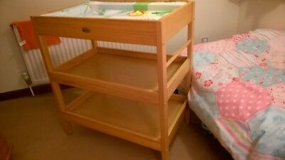 Baby Weavers Changing Table, used, in excellent condition.