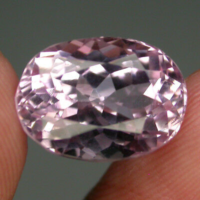 Wonderful 7.55 Ct. 13x9mm Oval Cut 100% Natural Top Purplish Pink Kunzite Brazil