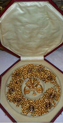 Vatican Pope Chain Uniform Medal Badge Papal Court Clergy Priest Catholic Collar