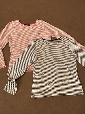2 X Girls Long Sleeved Tops Age 8-9 (twins?)