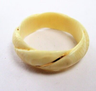 Fine quality vintage 9ct gold & bovine bone band ring