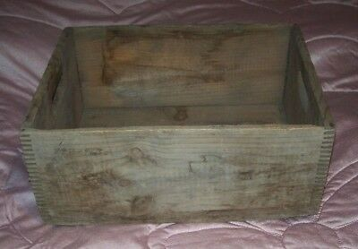 vintage  wooden crate/box  19 1/2 x15 x 9  dove tailed joints - great for albums