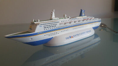 P & O SOUVENIR PACIFIC SKY MODEL LINER 26cm LONG, IMMACULATE CONDITION.