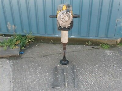 WACKER NEUSON BH24 2 STROKE PETROL HEAVY BREAKER COBRA (c/w New Chisels To Fit)